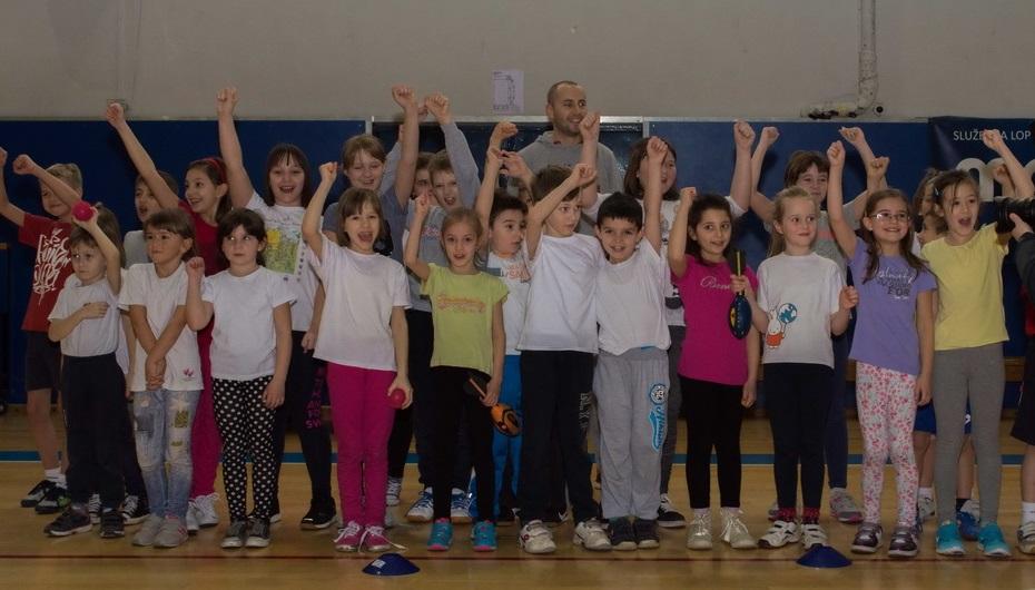 """""""Zimske sportske aktivnosti učenika"""" (8)"""